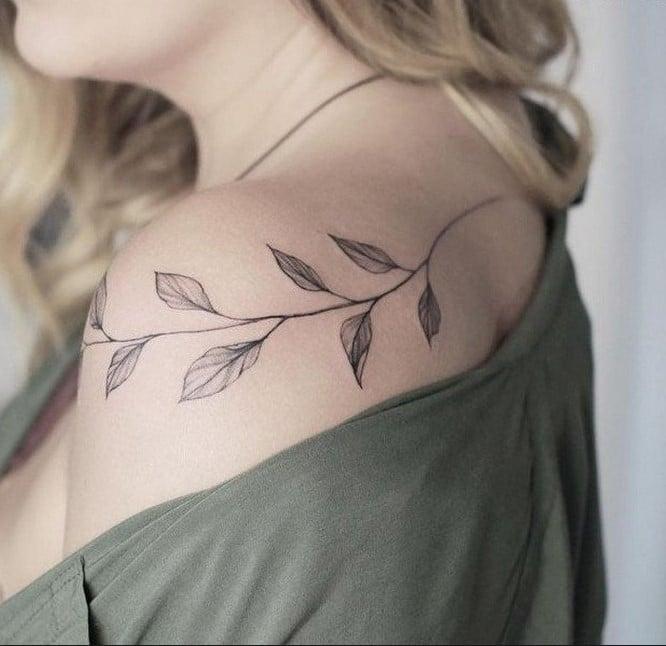 tatouage Branche Avec Feuilles