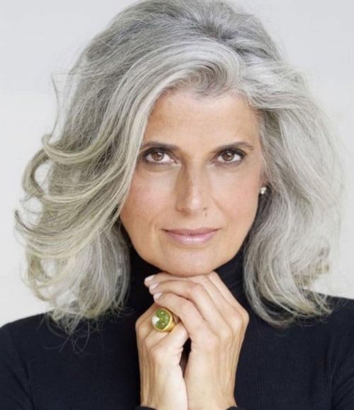 Coupe de cheveux courts à 50 ans : les modèles tendances