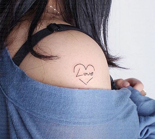 tatouage motif Love