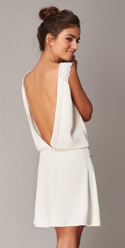 Robe de marièe courte Très Féminine