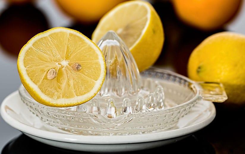 Boire Jus De Citron à jeun