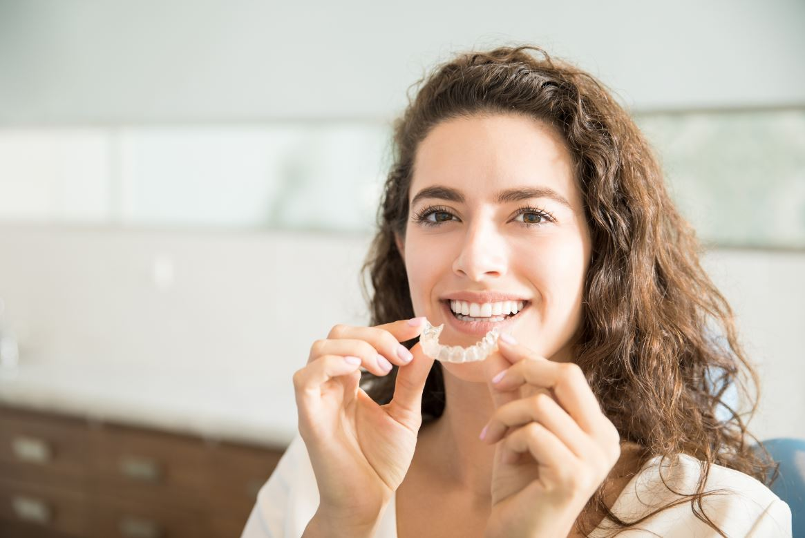 Aligneur Dentaire Femme