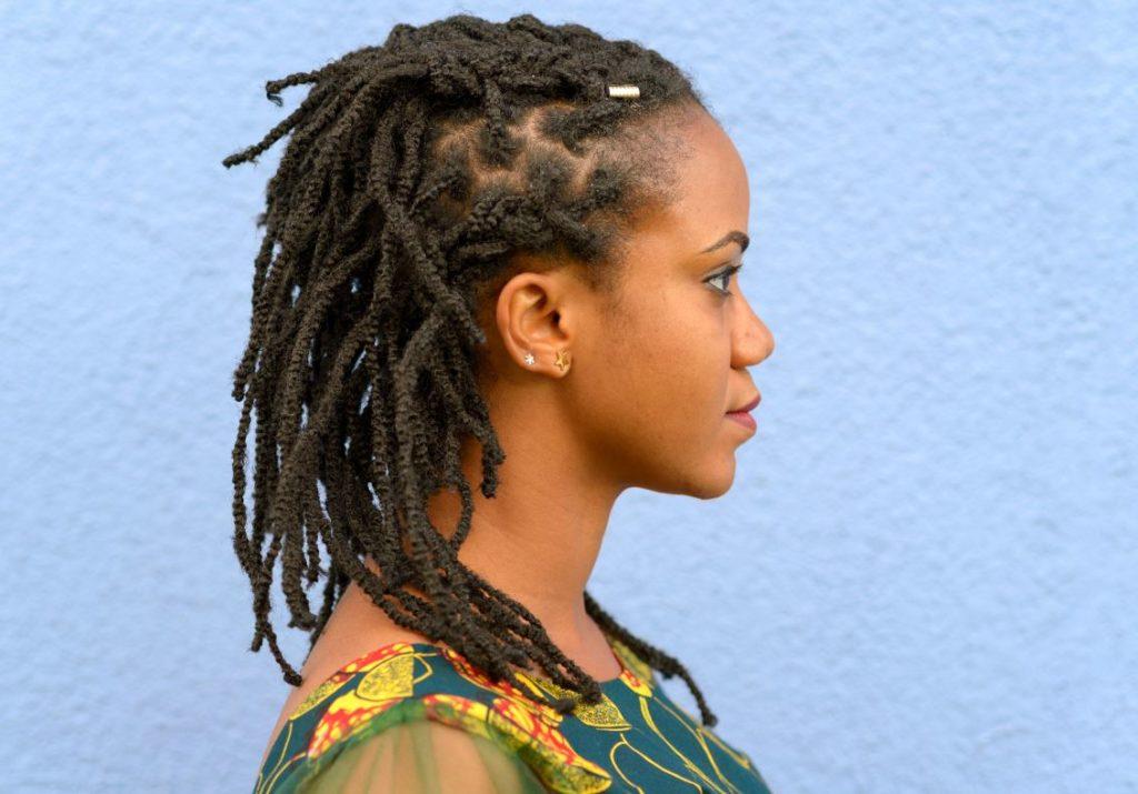 Chignon Afro Tressé Côté