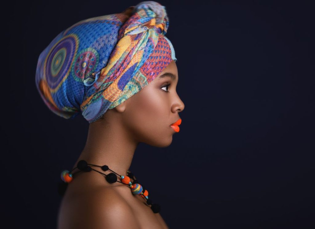 Coiffure Afro Ruban