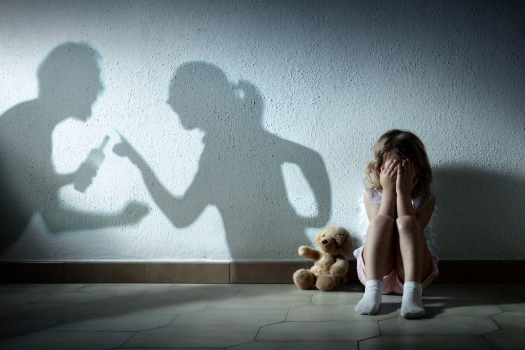 Enfant Souffre Violence Couple