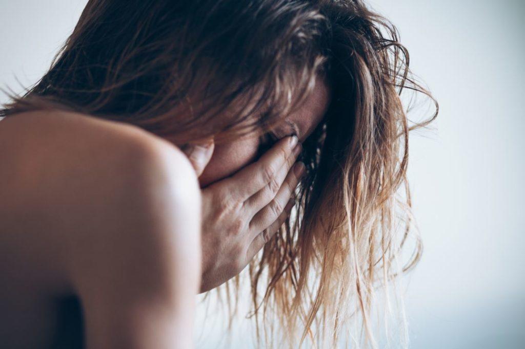 Femme Pleure Violence Couple