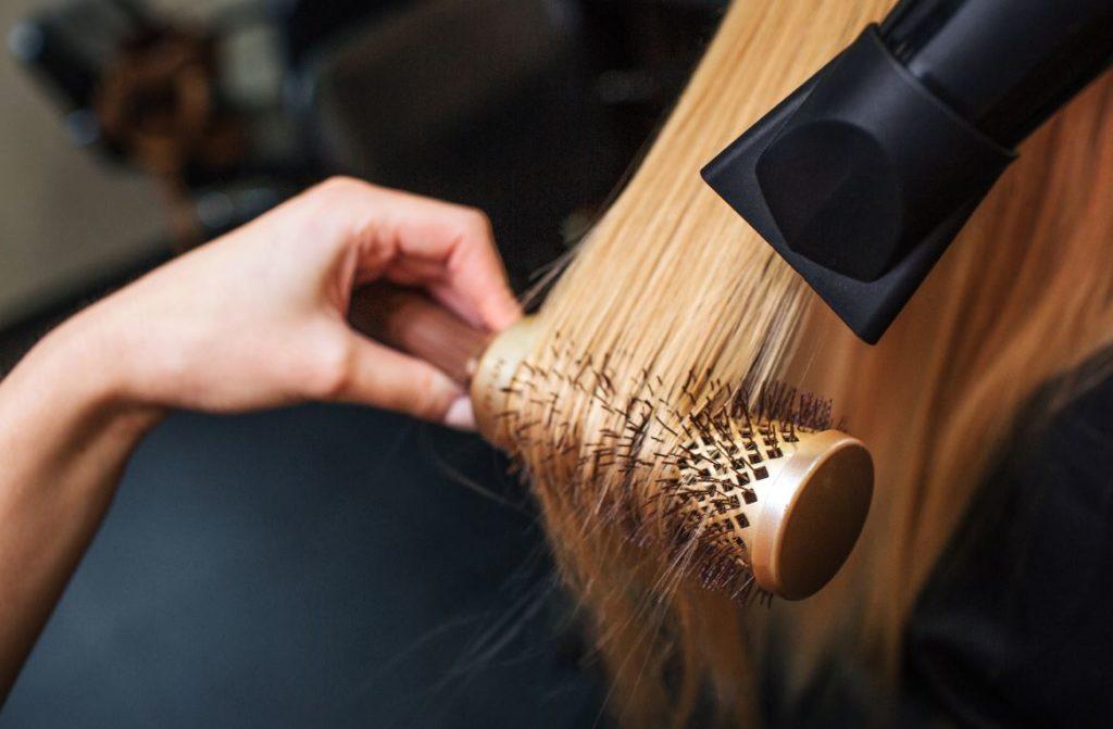 Brushing Soin Cheveux