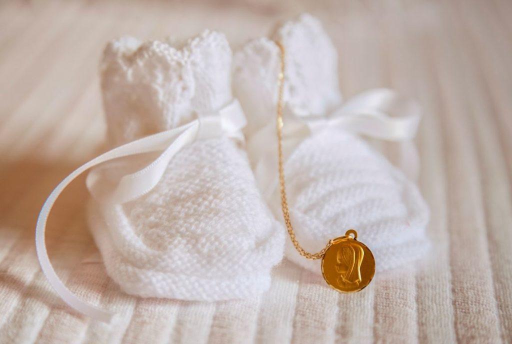 Medaille Et Chaussons Bapteme