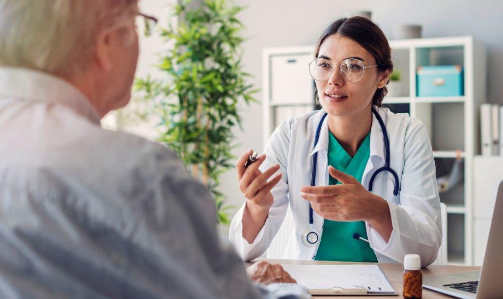Medecin Avec Son Patient