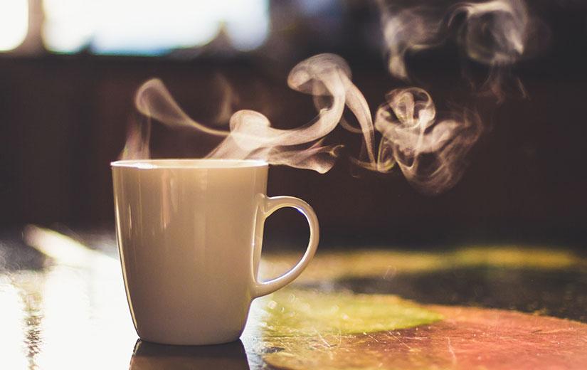 boire un thé le midi