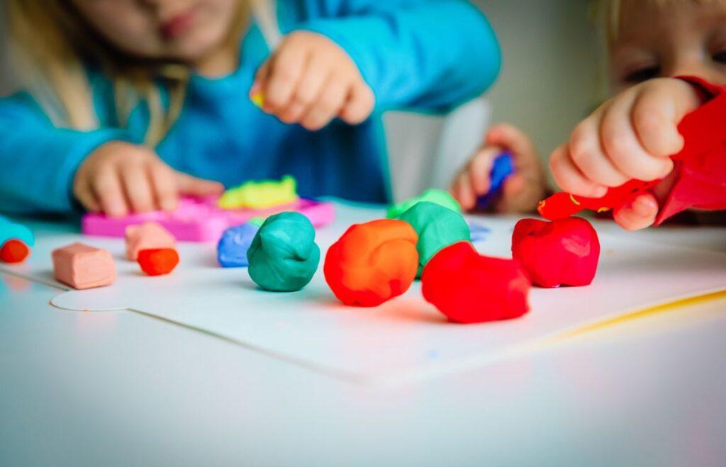 Activité Enfants Pâte à Modeler