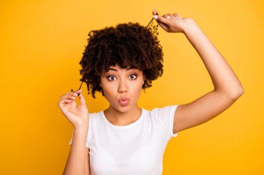 Femme Cheveux Frisés